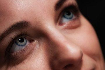 lentilles de contact pour femme